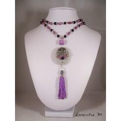 Collier perles cristal Bohême violettes, pendentif béton ovale avec connecteur cœur, perle carrée et pompon perles violettes