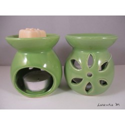 Perfume burner in ceramic, green, flower