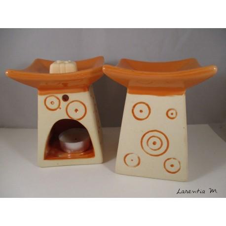 Perfume burner in ceramic, Pagoda, Orange