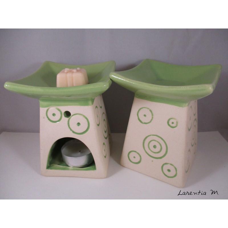 Perfume burner in ceramic, Pagoda, Green