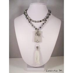 Collier perles cristal Bohème beige, cirées café, pendentif béton rectangle avec soleil doré, plume et shamballa marron