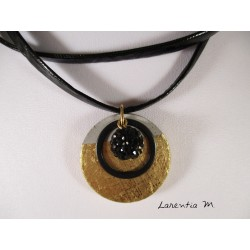 Necklace black double neck, small round gilded concrete, pearl shamballa black on ring black