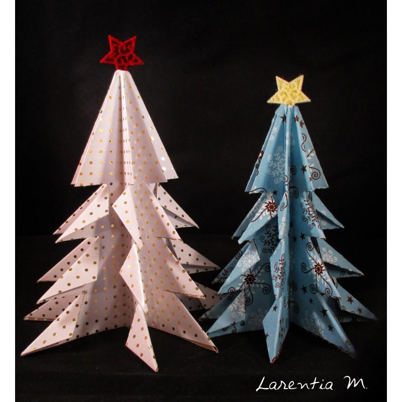 2 sapins de Noël en papier scrapbooking, pliage origami 14 et 12 cm avec étoile feutrine