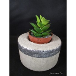 Cache pot concrete for cactus (with plastic plant) round and silver