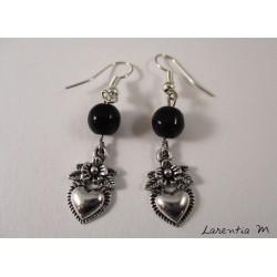Boucles d'oreilles cœurs argentés, perles noires