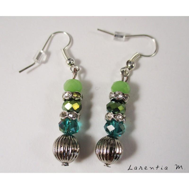 Boucles d'oreilles perles roses et strass argentés