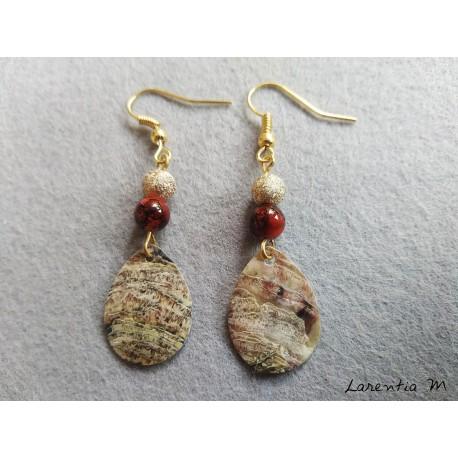 Boucles d'oreilles nacre coquillage, perles marron et métal doré