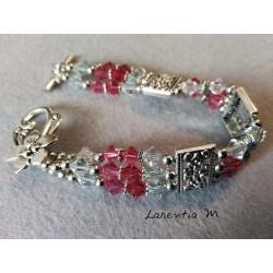 Bracelet 3 rangs perles de cristal de Swarovski, dégradé de perles roses, séparateurs métal antique argenté, fermoir toggle