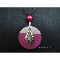 "Pendant Necklace ""Drop"" with fuchsia pearl on circle concrete pad painted fuchsia"