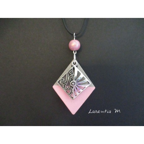 """Pendant Necklace """"Lozenge"""" with pink pearl on lozenge concrete pad painted pink"""