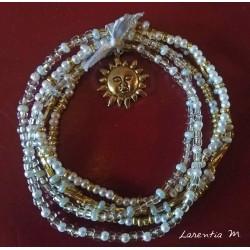 Bracelet 5 rangs en perles de rocaille tons orange-vert-or, fée sur lune dorée