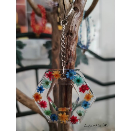 Green resin keyring, with golden tree of life and dried flowers