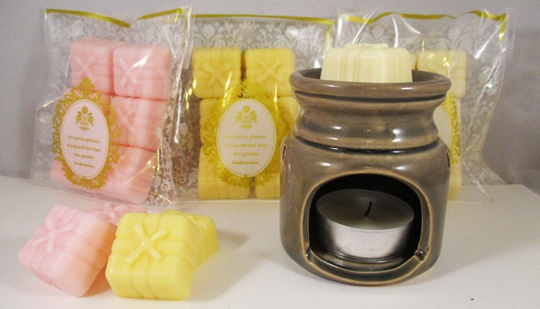 Perfume burner and fragrance fondants